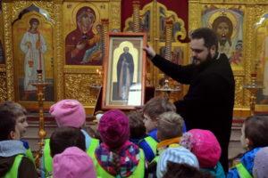 Дети на экскурсии в Александро-Невском храме