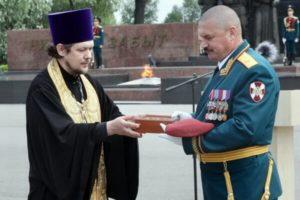 Торжественная передача ковчега с мощами святых Князь-Владимирскому храму