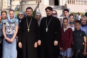 Паломничество в Дубровицы
