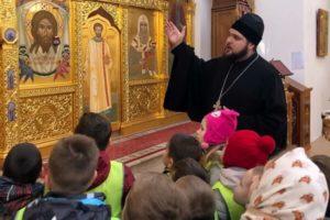 Маленькие гости в Александро-Невском храме