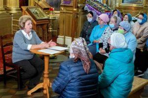 Встреча с директором Краеведческого музея в Троицком храме в Павлино