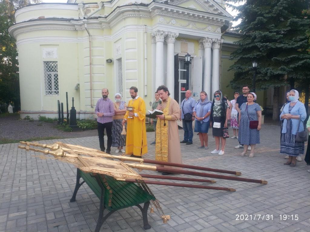 Освящение хоругвей в Павлино