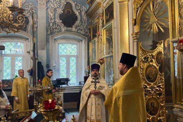 Воспоминание чуда Архистратига Михаила в Хонех в Николо-Архангельском храме
